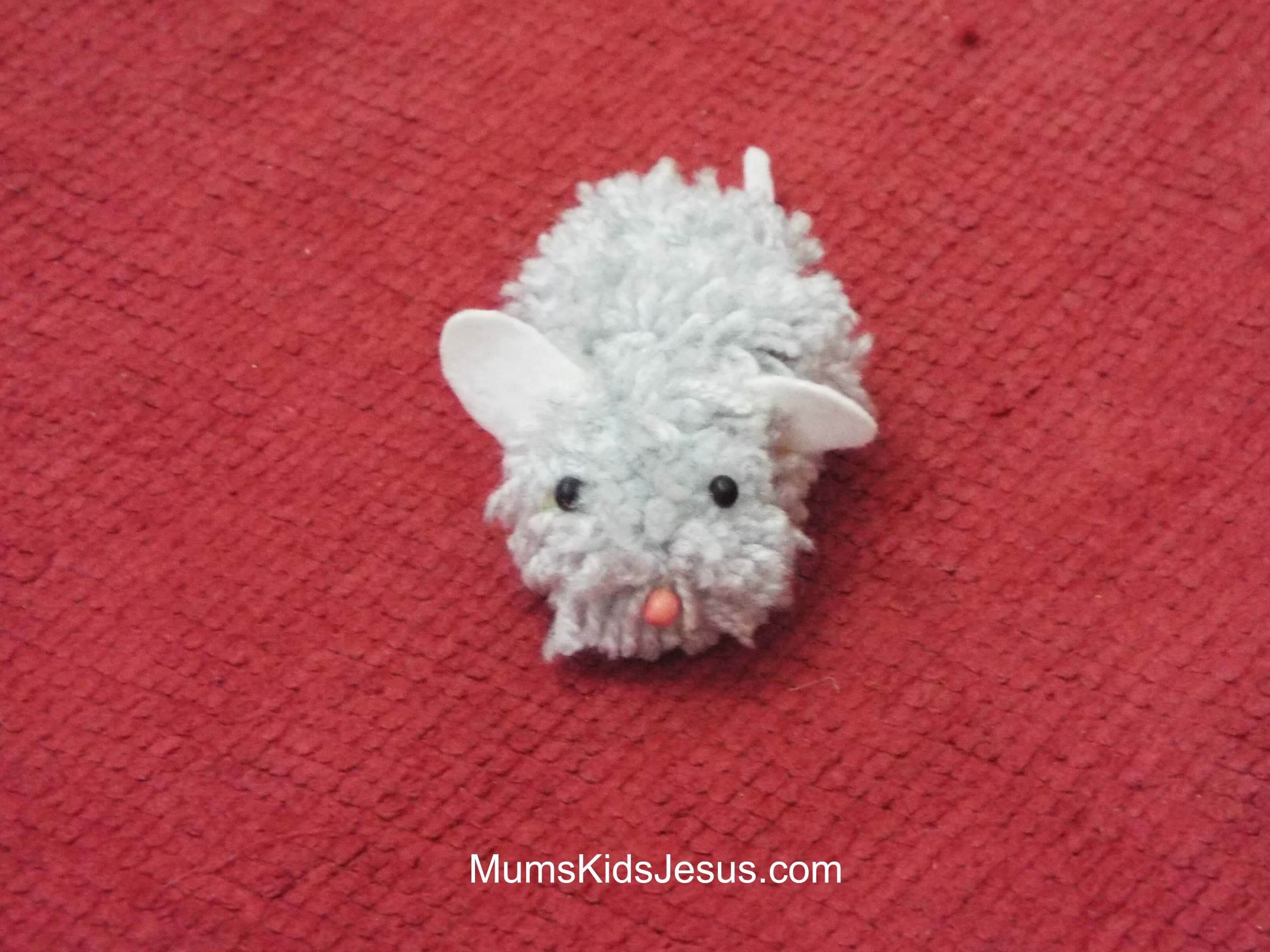 How to Make a Pom Pom in 5 Minutes (And Make a Really Cute Pom Pom Mouse)